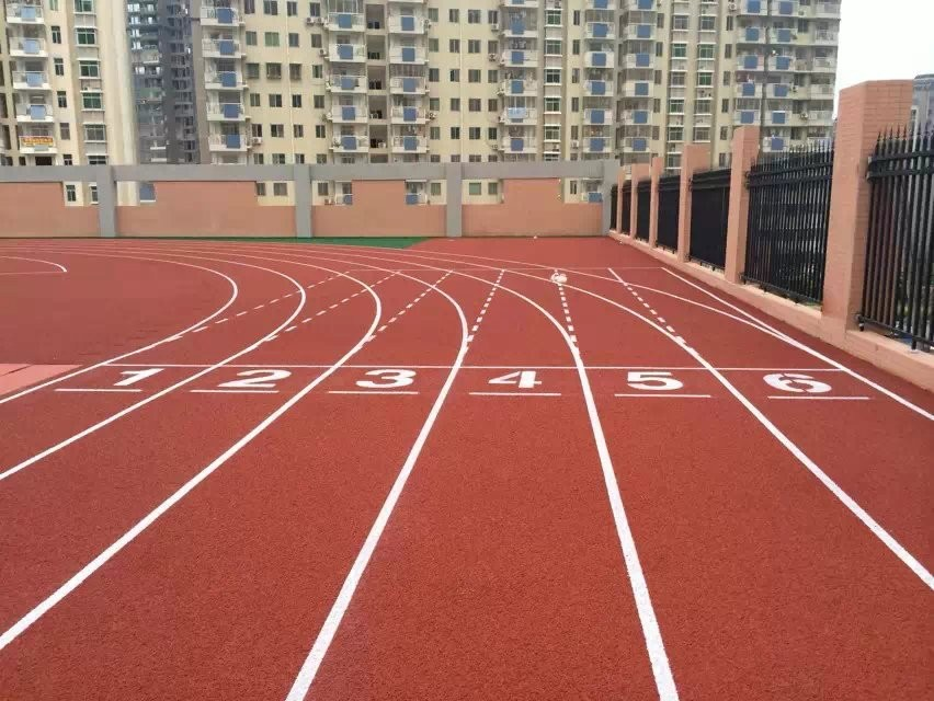 Permeable athletic running track UV resistance surface